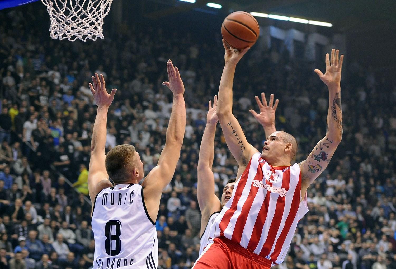 Maik Zirbes back at Crvena zvezda mts