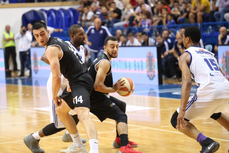 Special night in Bar, Mornar advance to the next stage