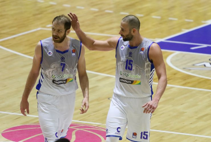 Play of the day: Vladimir Dašić throws it down with two hands