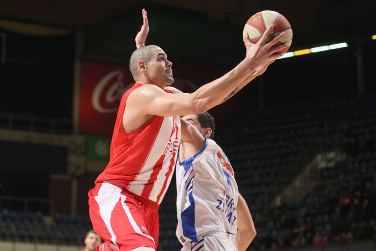 Play of the day: Maik Zirbes with a vicious alley-oop slam over Šime Špralja