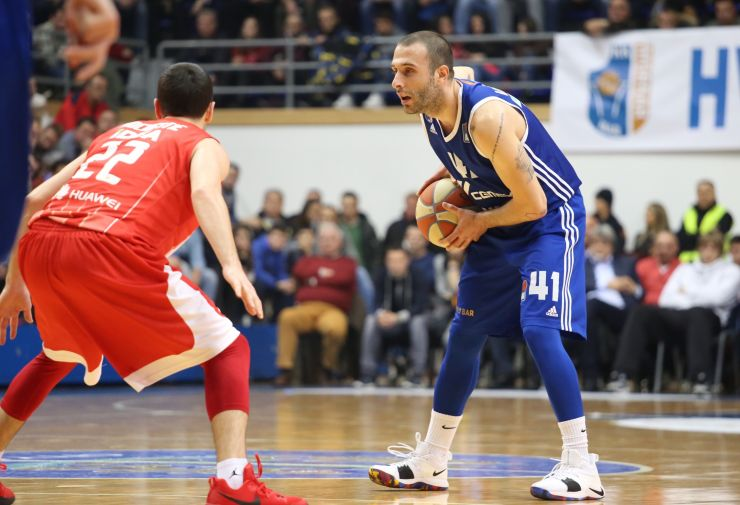 Vranješ one more season with Mornar
